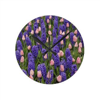 Flores de Holanda de jacintos y de tulipanes rosa Relojes