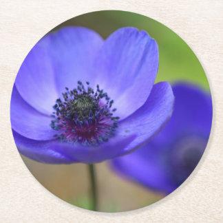 Flores de la amapola azul posavasos personalizable redondo