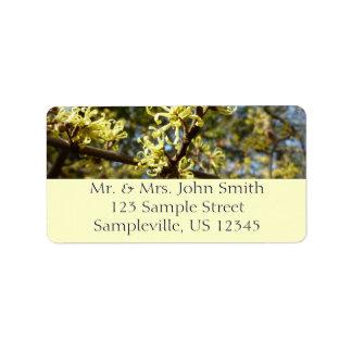 Flores de la hamamelis etiqueta de dirección