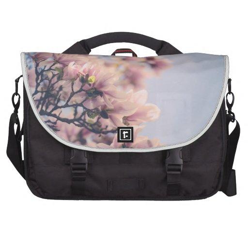 Flores de la magnolia bolsas para portatil