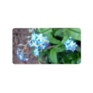 Flores de la nomeolvides etiqueta de dirección