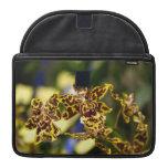 Flores de la orquídea funda para macbook pro