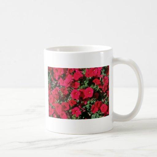 Flores de la petunia del jardín (petunia Hybrida) Tazas De Café