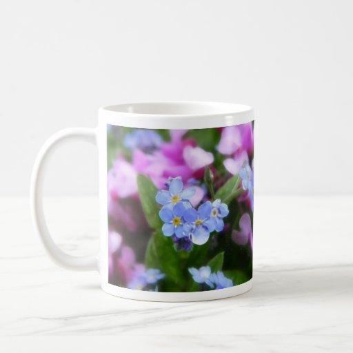 Flores de la primavera - nomeolvides y Redbuds Taza De Café