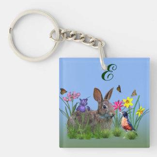 Flores de la primavera, petirrojo, y conejo de con llavero cuadrado acrílico a doble cara