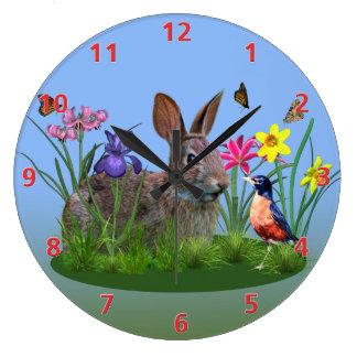 Flores de la primavera, petirrojo, y conejo de reloj redondo grande