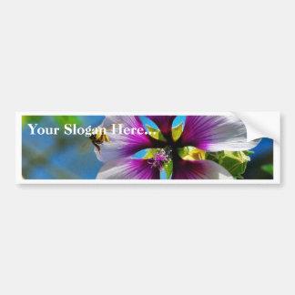 Flores de la púrpura de las abejas pegatina de parachoque