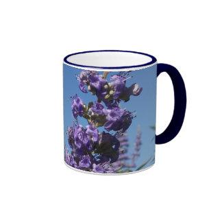Flores de la púrpura del árbol casto taza de dos colores