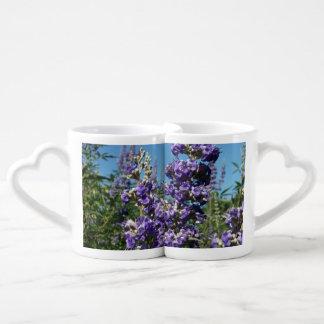 Flores de la púrpura del árbol casto taza para enamorados