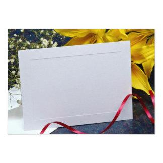 """flores de la tarjeta amarilla y de las flores invitación 5"""" x 7"""""""