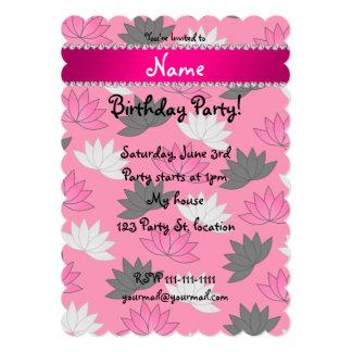 """Flores de loto rosadas conocidas personalizadas invitación 5"""" x 7"""""""