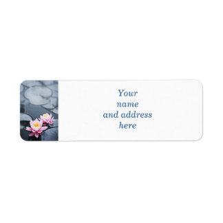 Flores de loto rosadas etiqueta de remite