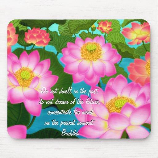 Flores de Lotus budistas del refrán Mousepad