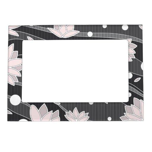 Flores de Lotus rosadas en rayas negras Marcos Magnéticos Para Fotos