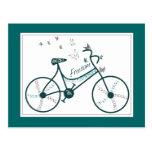 Flores de mariposas y fans delicadas de la bici de tarjeta postal