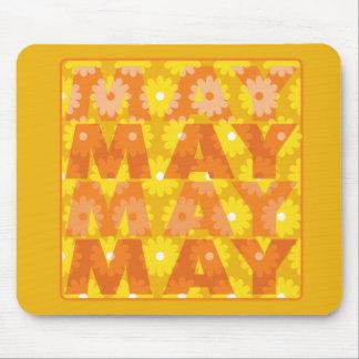 Flores de mayo mousepads