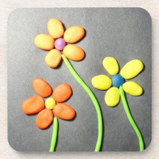 Flores de Playdough de la primavera Posavasos De Bebida