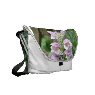 Flores de Turtlehead Bolsas De Mensajería