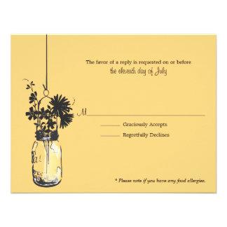 Flores de Wid de la tarjeta de RSVP y tarro de alb Comunicados