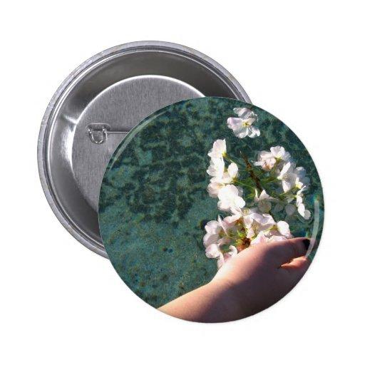 Flores del agua pin redondo 5 cm