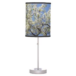 Flores del árbol de la primavera lámpara de escritorio