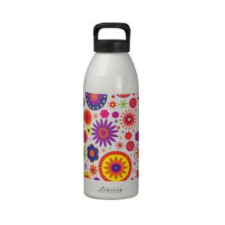 Flores del arco iris del hippy botellas de beber