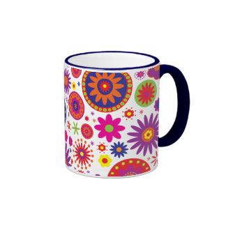 Flores del arco iris del hippy taza de dos colores