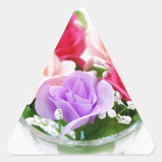 ¡Flores del arco iris! Pegatina Triangular