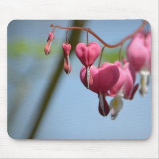 Flores del corazón sangrante alfombrilla de ratones