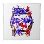 Flores del cráneo y del jacinto azulejos