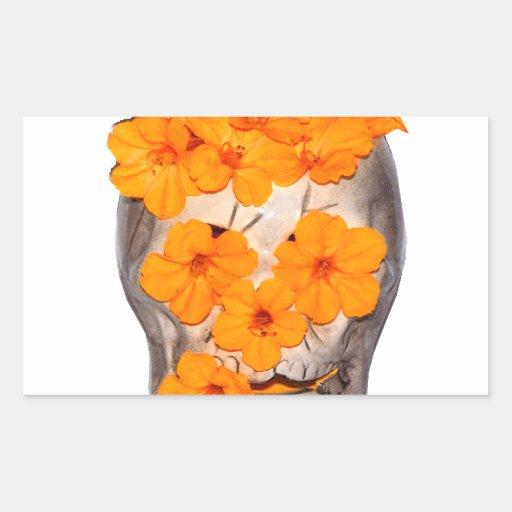 Flores del cráneo y del naranja pegatina rectangular