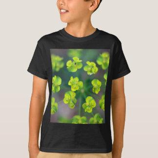 Flores del euforbio camisas