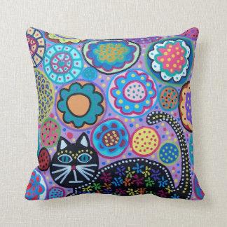 Flores del gato de Lavander del arte de Kerri Cojín Decorativo