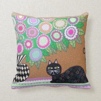 Flores del gato negro del arte popular de la cojín decorativo