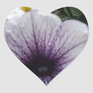 Flores del jardín calcomanía de corazón personalizadas