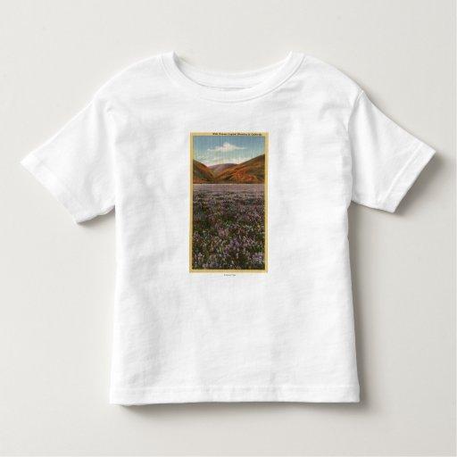 Flores del Lupine de CaliforniaWild en la T Shirts
