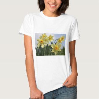 Flores del narciso camisas
