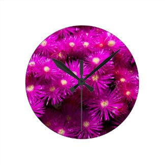 flores del raani reloj redondo mediano