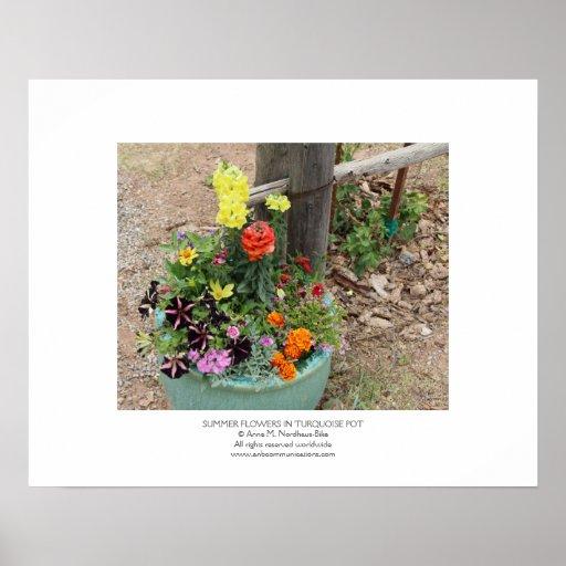 Flores del verano en pote de la turquesa póster