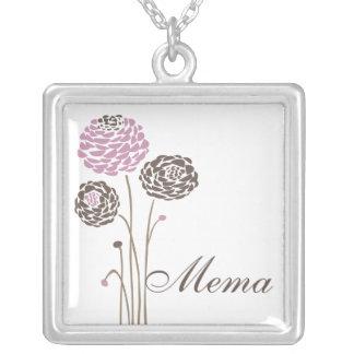 Flores elegantes de la dalia del collar de Mema
