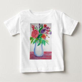 Flores en el arte floral de la acuarela del playera para bebé