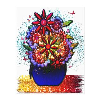 Flores en florero del azul de cobalto en lluvia y  impresiones en lienzo estiradas