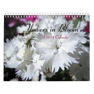 Flores en la floración calendarios de pared