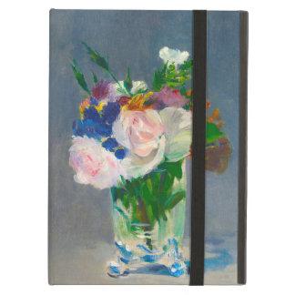 Flores en un florero cristalino por el caso del