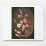 Flores en un florero de cristal tapete de raton