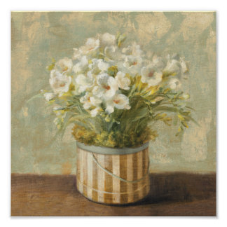 Flores en una caja del gorra póster