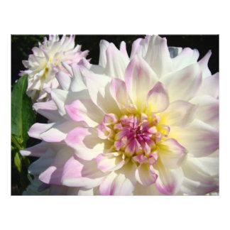 Flores florales de encargo de papel de la dalia de plantillas de membrete