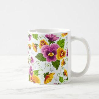 flores frescas del modelo taza de café