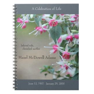 Flores fucsias rosadas y blancas conmemorativas libros de apuntes