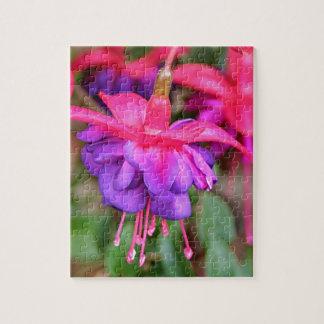 Flores fucsias rosadas y púrpuras en la floración puzzle con fotos